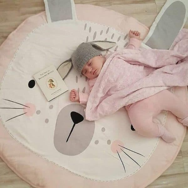 Roze konijnen speelkleedd
