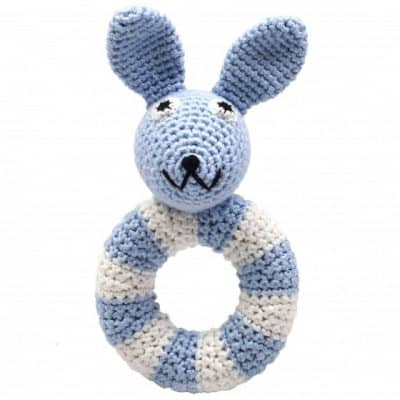 naturezoo ringrammelaar konijn gehaakt 14 cm lichtblauw 333126 1573218154