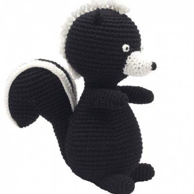 naturezoo knuffeldier stinkdier gehaakt 20 cm zwart 332937 1573202205