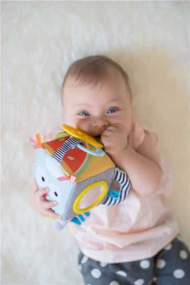 taf toys ontdekkingskubus 35 cm 2 390649 1587989246